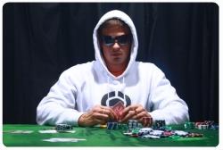 Cara Mengalahkan Lawan Anda dalam Permainan Judi Poker